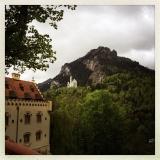 <h5>Juni: Nina auf Schloss Neuschwanstein</h5><p>Auf den Spuren des Märchenkönigs …</p>