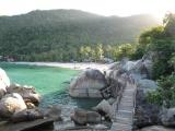 <h5>August: Simon in Thailand</h5><p>Die Party-Insel Koh Phangan eignet sich auch hervorragend für ruhige Familienferien.</p>