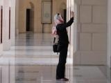 <h5>September: Sabine im Oman</h5><p>Sabine vermummt im Oman</p>