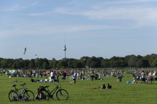 Tempelhofer Freiheit_ Sport, Spiel, Erholung mitten in Berlin