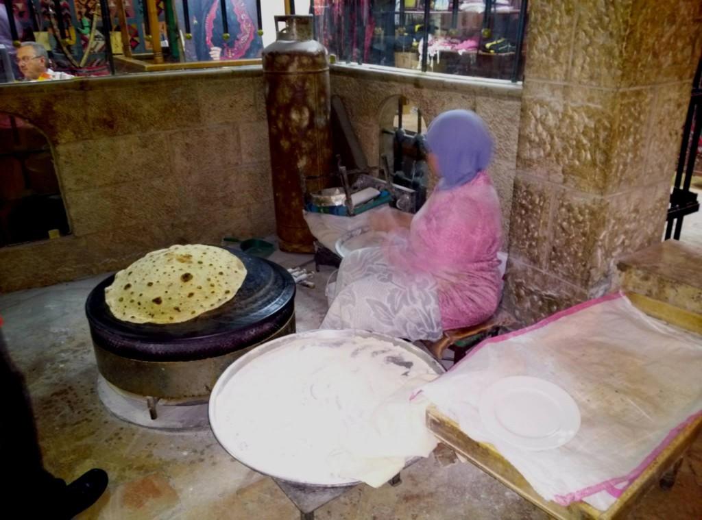 1_Amman_Restaurant_Shrak baking at Reem Albawadi