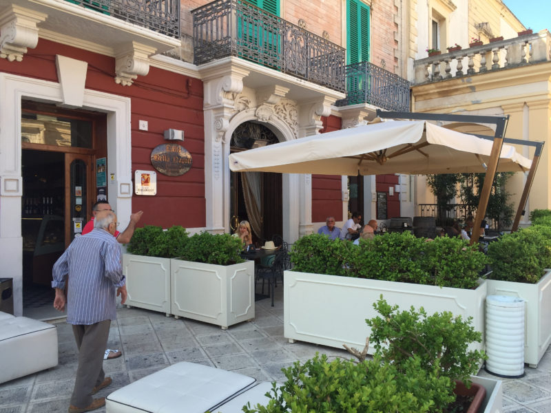 Bar Pasticceria Bella Napoli Fasano Apulien