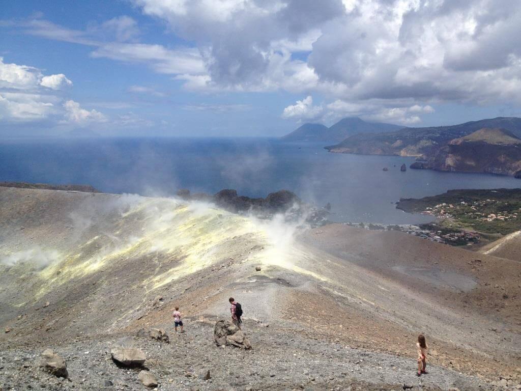 Bei den feuerspeienden Ungeheuern auf den Liparischen Inseln
