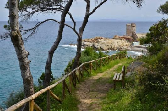 Wilde Küste und kleine Buchten: San Andrea – Marciana Marina (© Heinz Staffelbach)