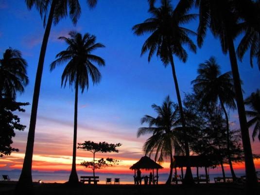 Herrliche Abendstimmung im Season Bungalow Resort auf Koh Jum