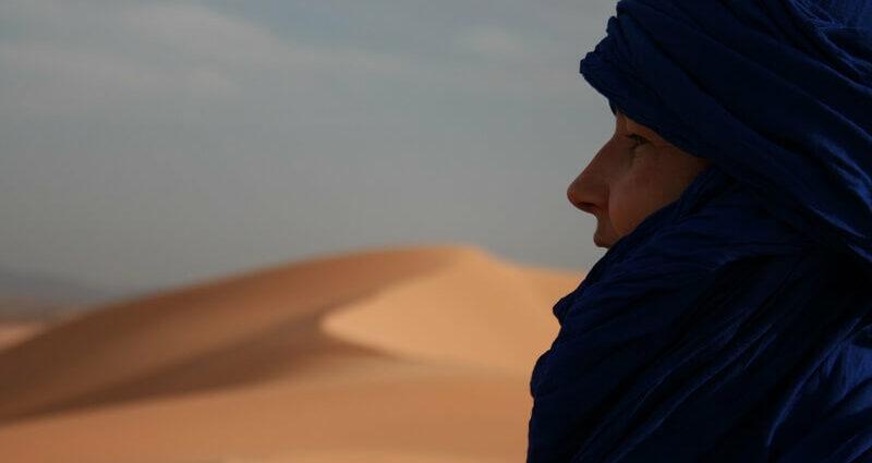 Im Schlangennest: Single-Frauen in der Wüste