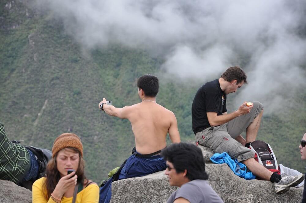 Oben-ohne-Selfies statt Macchu Picchu