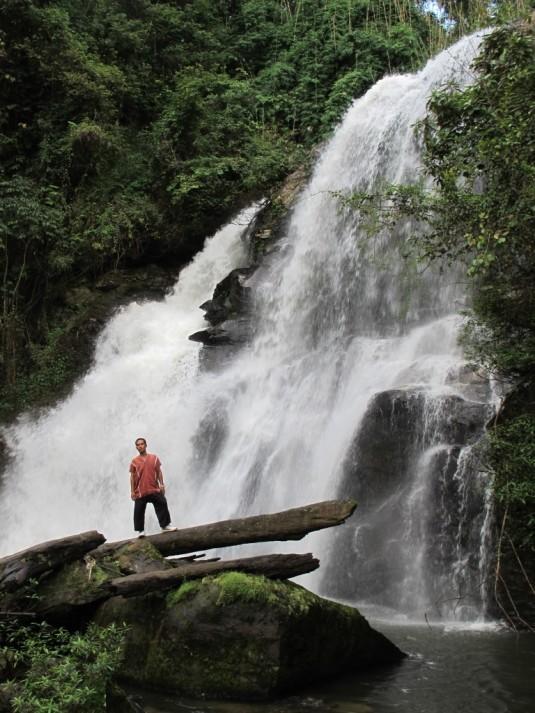 Doi Inthanon, Wasserfall mit Charlie