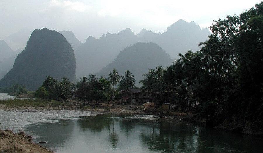 Aeh und Da – Bewusstsein förderndes Laos