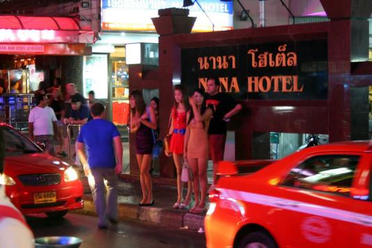 Das berüchtigte Nana-Quartier in Bangkok