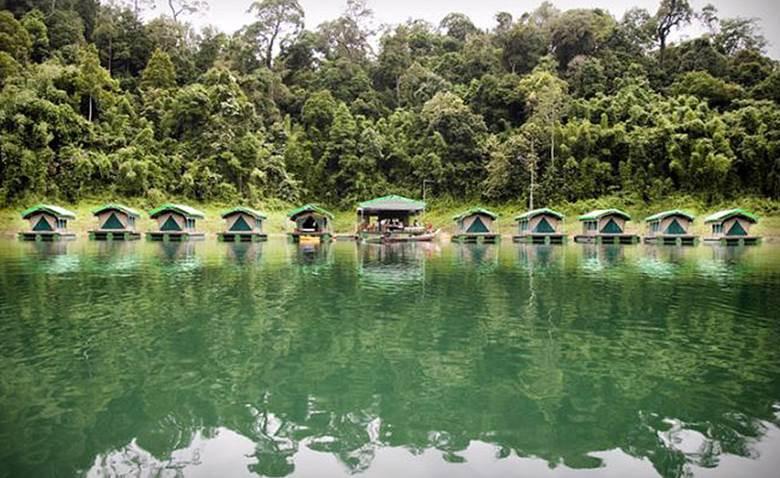 Der Cheow Lan Lake