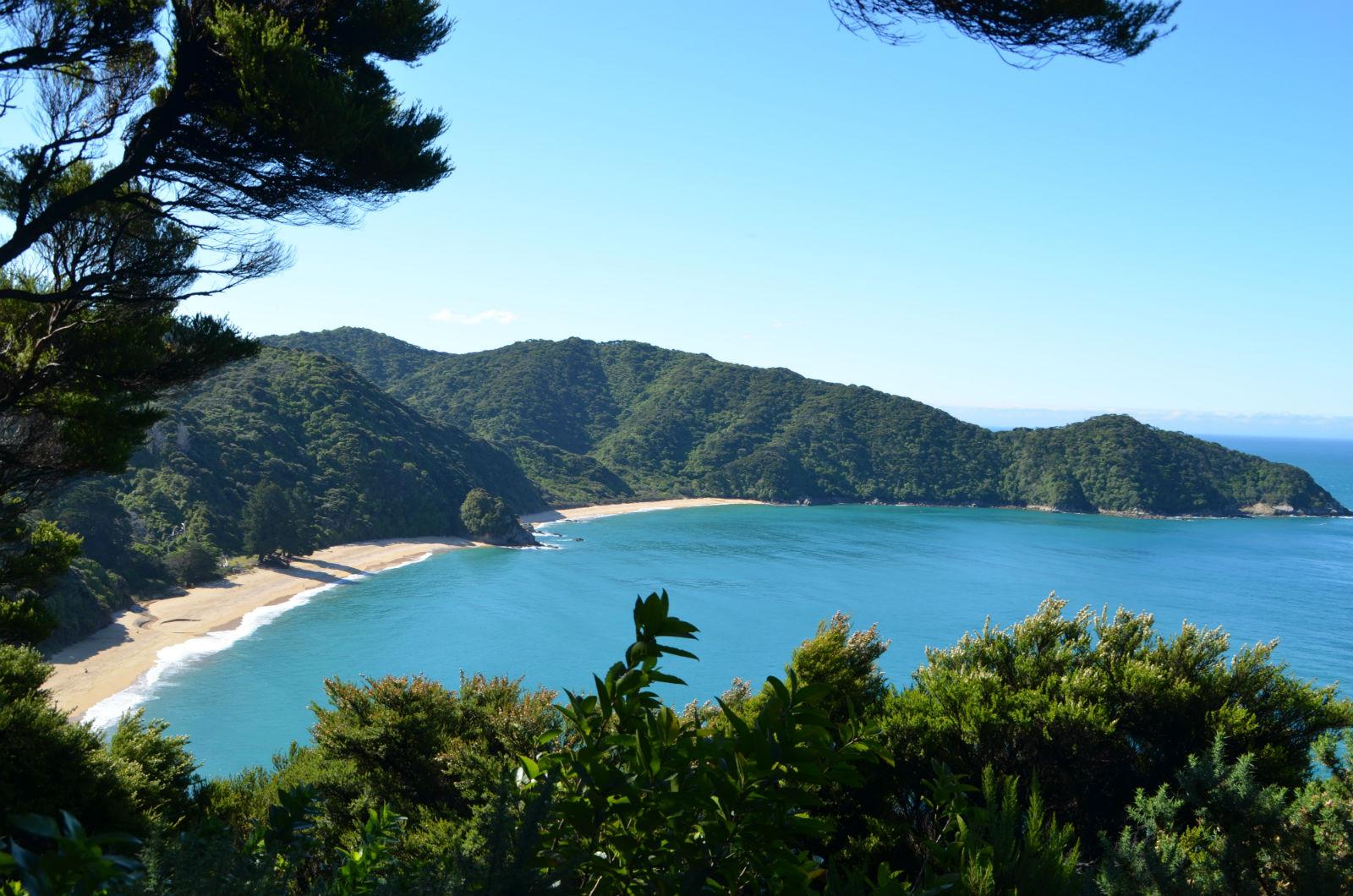 Strandwandern in Neuseelands beliebtestem Nationalpark