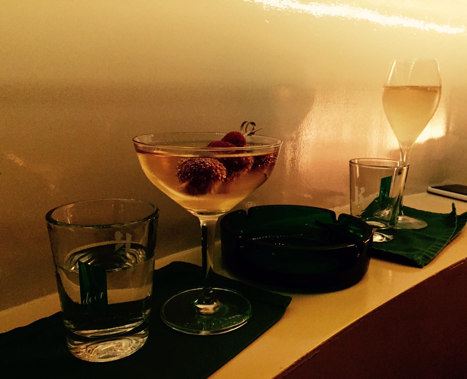 Wo man in Schöneberg stilvoll Cocktails genießen kann
