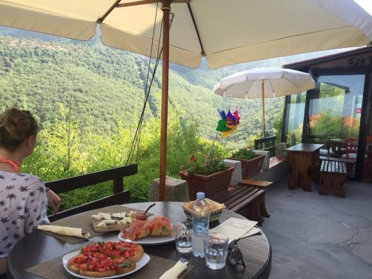 Essen mit Aussicht im Monilli