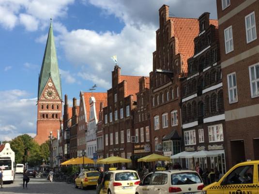 Lüneburg mit Giebel- und Fachwerkhäusern