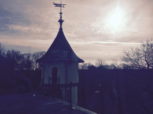 Aussicht von der Dachterrasse mit Übergang zum Türmchen