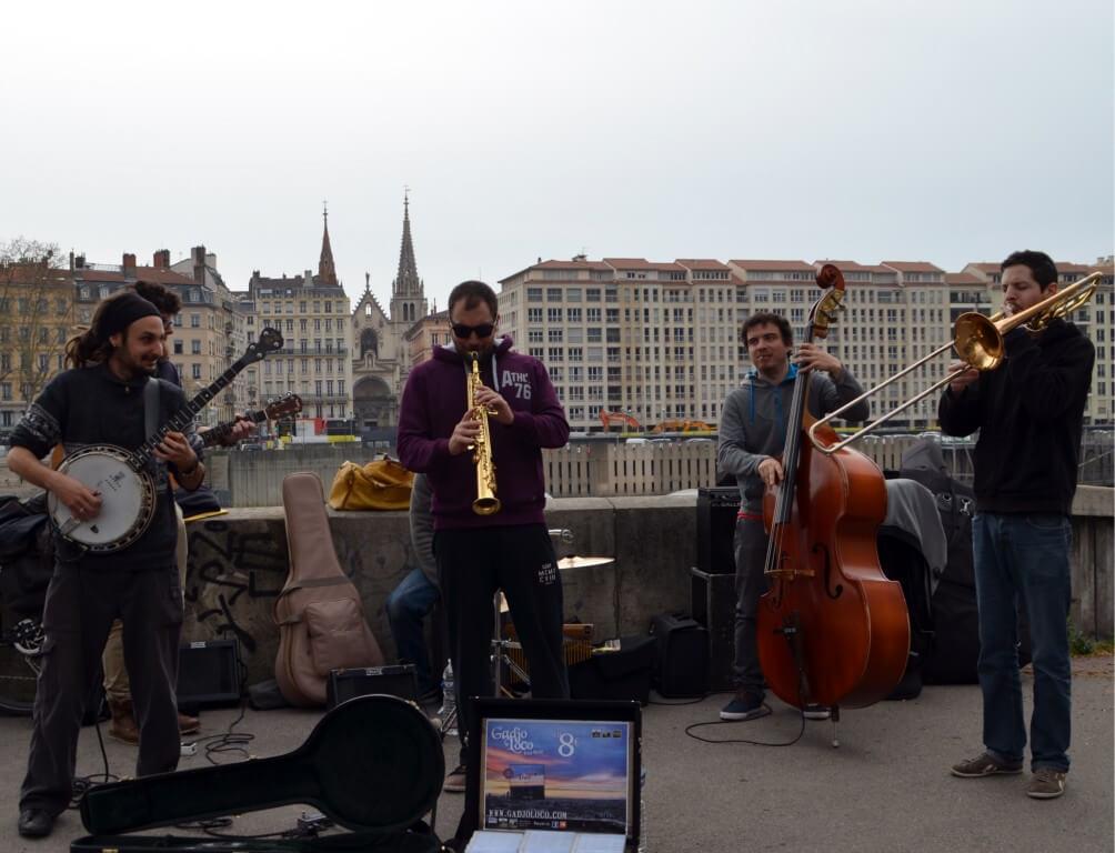 Lyon_Strassenmusikanten