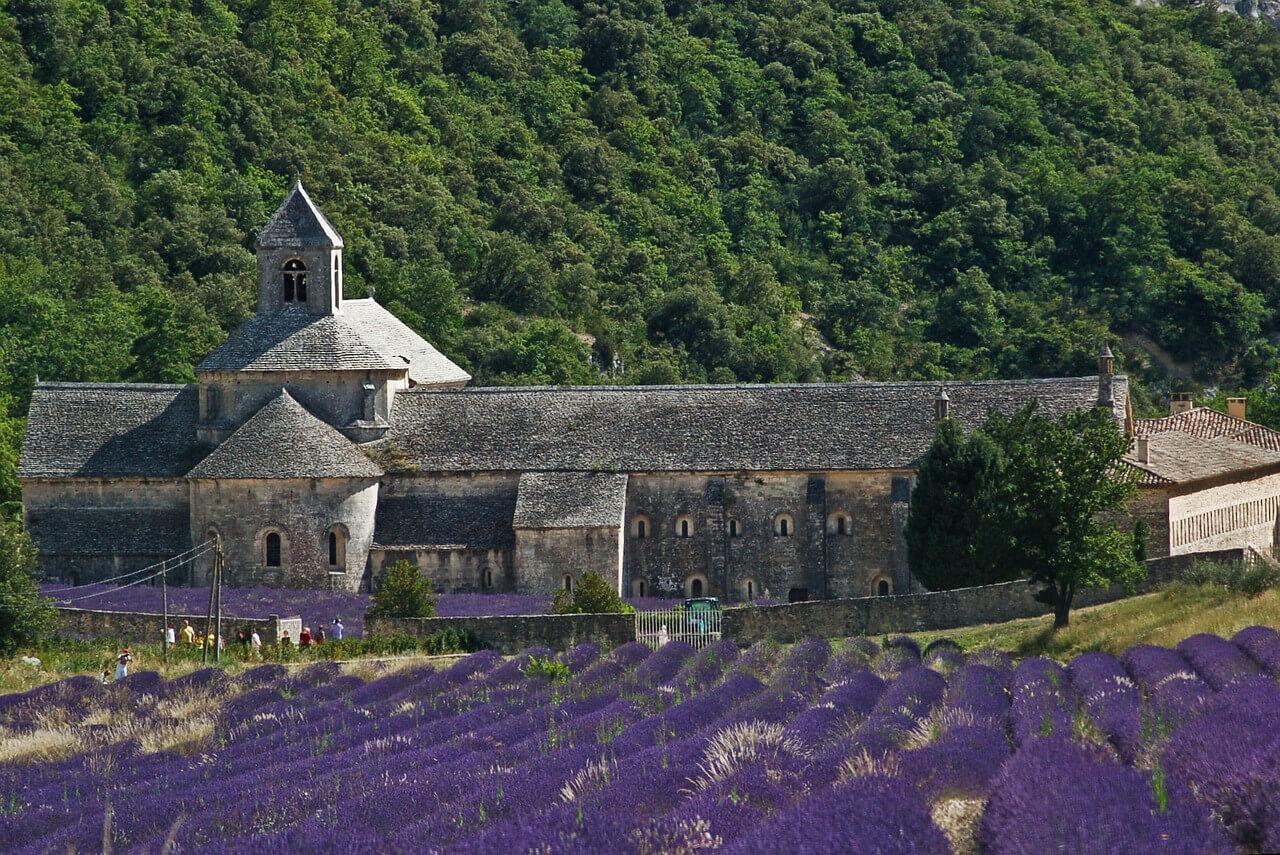 Das Kloster Notre-Dame de Sénanque ist ein Provence-Klassiker