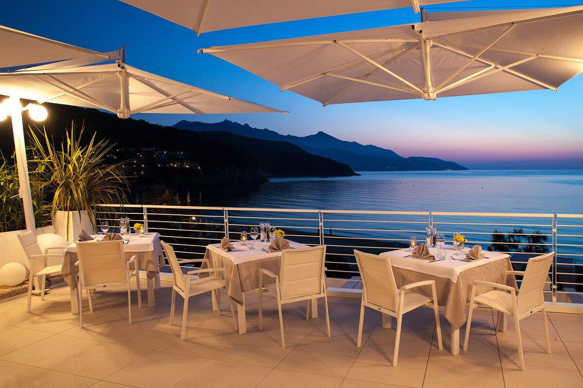 Abendstimmung in den Baia Bianca Suites