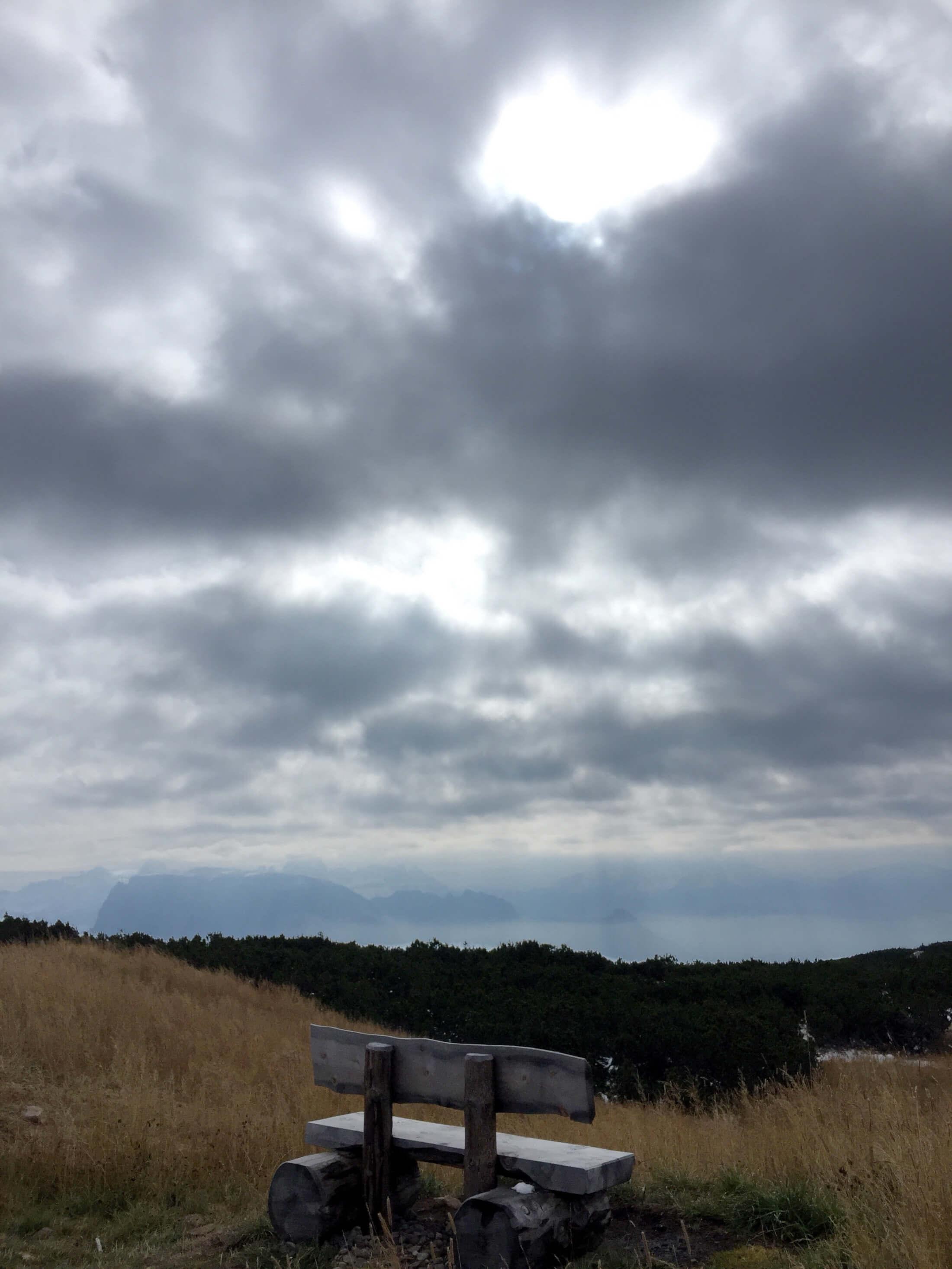 herbst tirol bank aussicht herz wolken