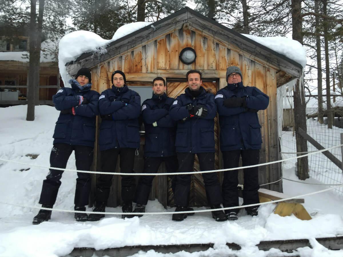 lappland schweden huskys hundeschlitten mushen winter schnee