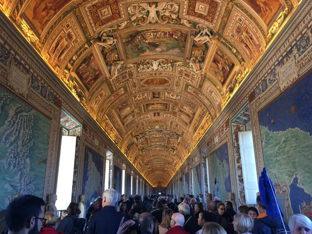 rom-vatikanische-museen vatikan menge italien