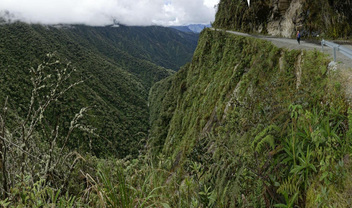 staffelbach-coroico-bolivien südamerika wandern outdoor natur strasse