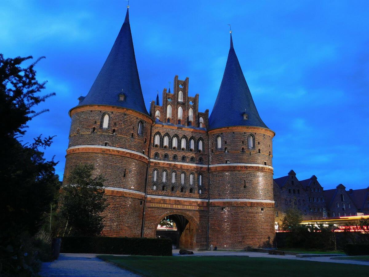 holstentor deutschland luebeck Lübeck