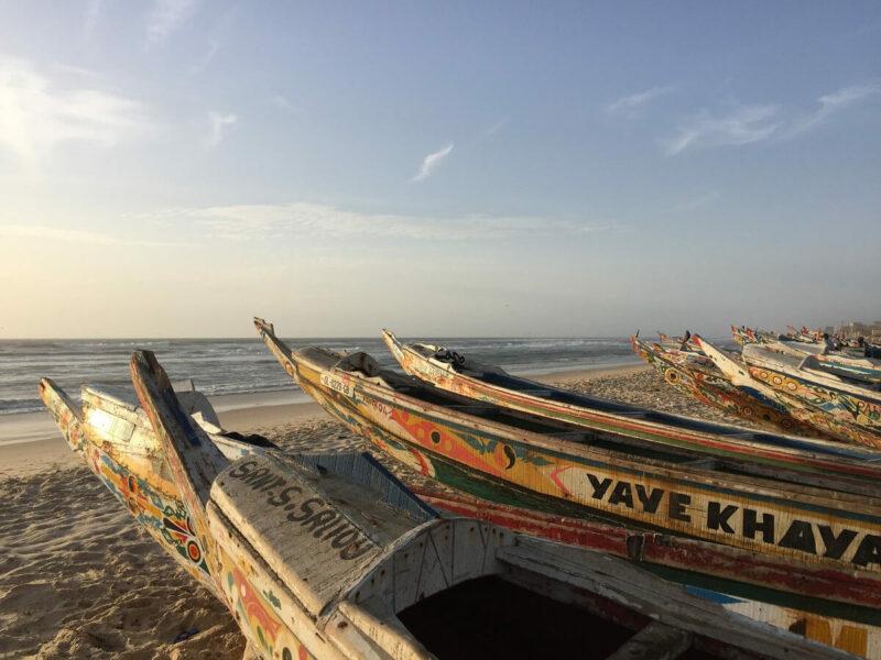 Senegal Fischerboote Pirogen