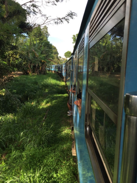 Sri Lanka-Zugfahren-Reservation-Rundreise-Sri-Lanka