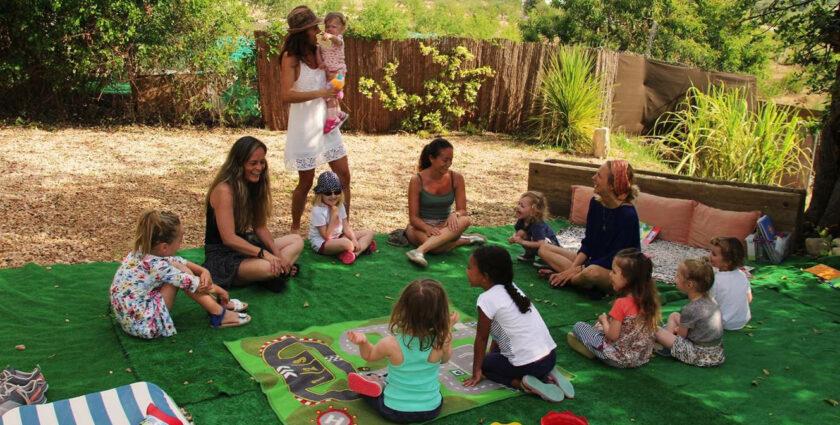 Yogaferien mit Baby – Kopfstand auf Ibiza