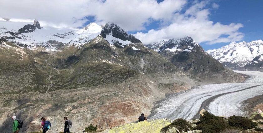 Den Aletschgletscher auf Schritt und Tritt im Blickfeld