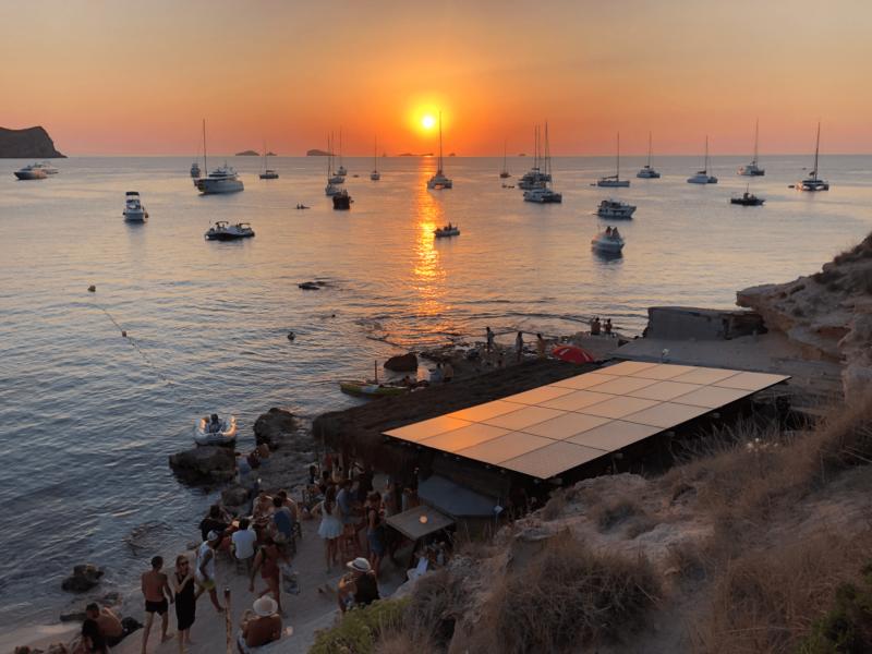 Ibiza Tipp: Sonnenuntergang an der Cala Escondida.